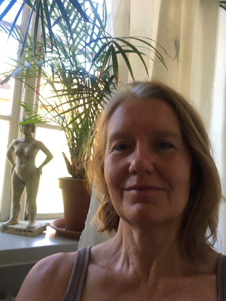 Rebecca Liljefors nybliven Yogamassör