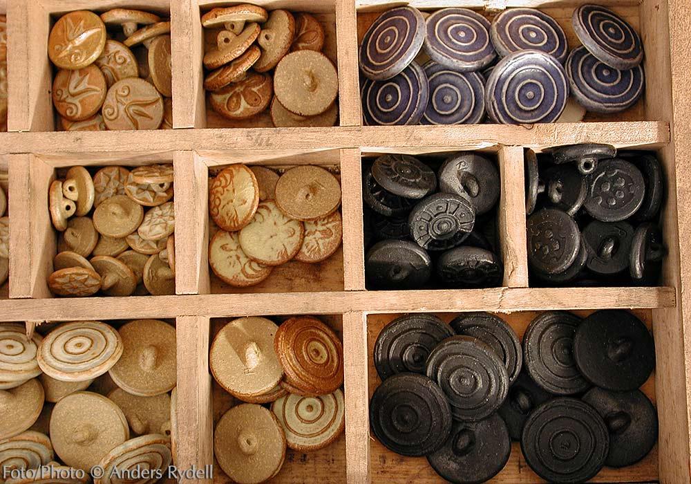 Keramikknappar av Rebecca Liljefors